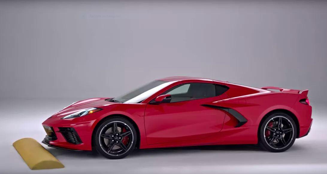 Elevación de nariz automática del Corvette C8